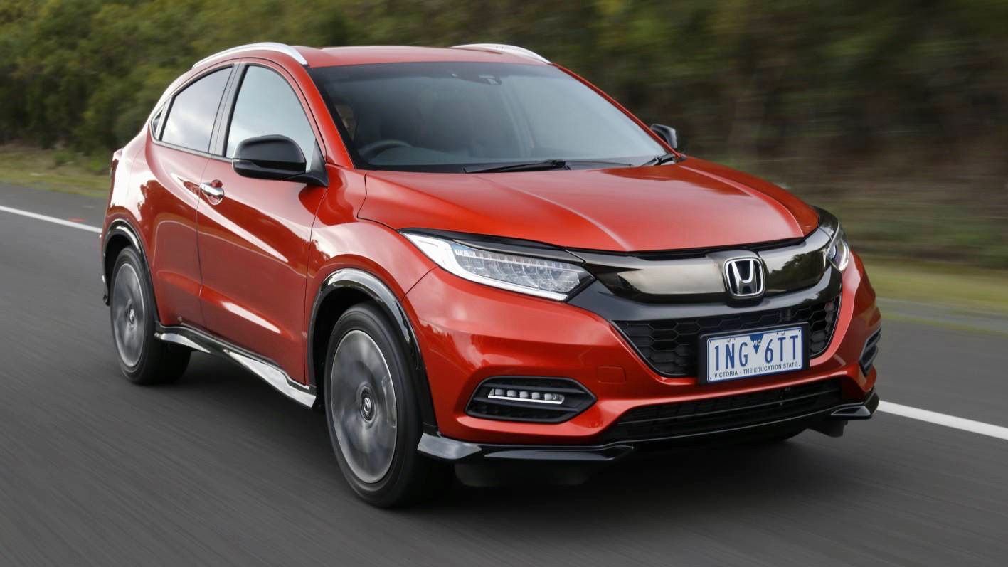 2019 Honda HR-V RS front 3/4 moving
