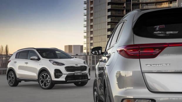 2019 Kia Sportage GT-Line white front 3/4