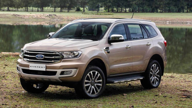 2019 Ford Everest Titanium gold front 3/4 low