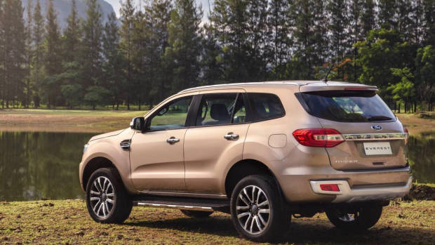 2019 Ford Everest Titanium gold rear 3/4