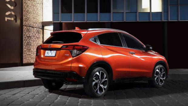 2019 Honda HR-V RS Phoenix Orange rear 3/4