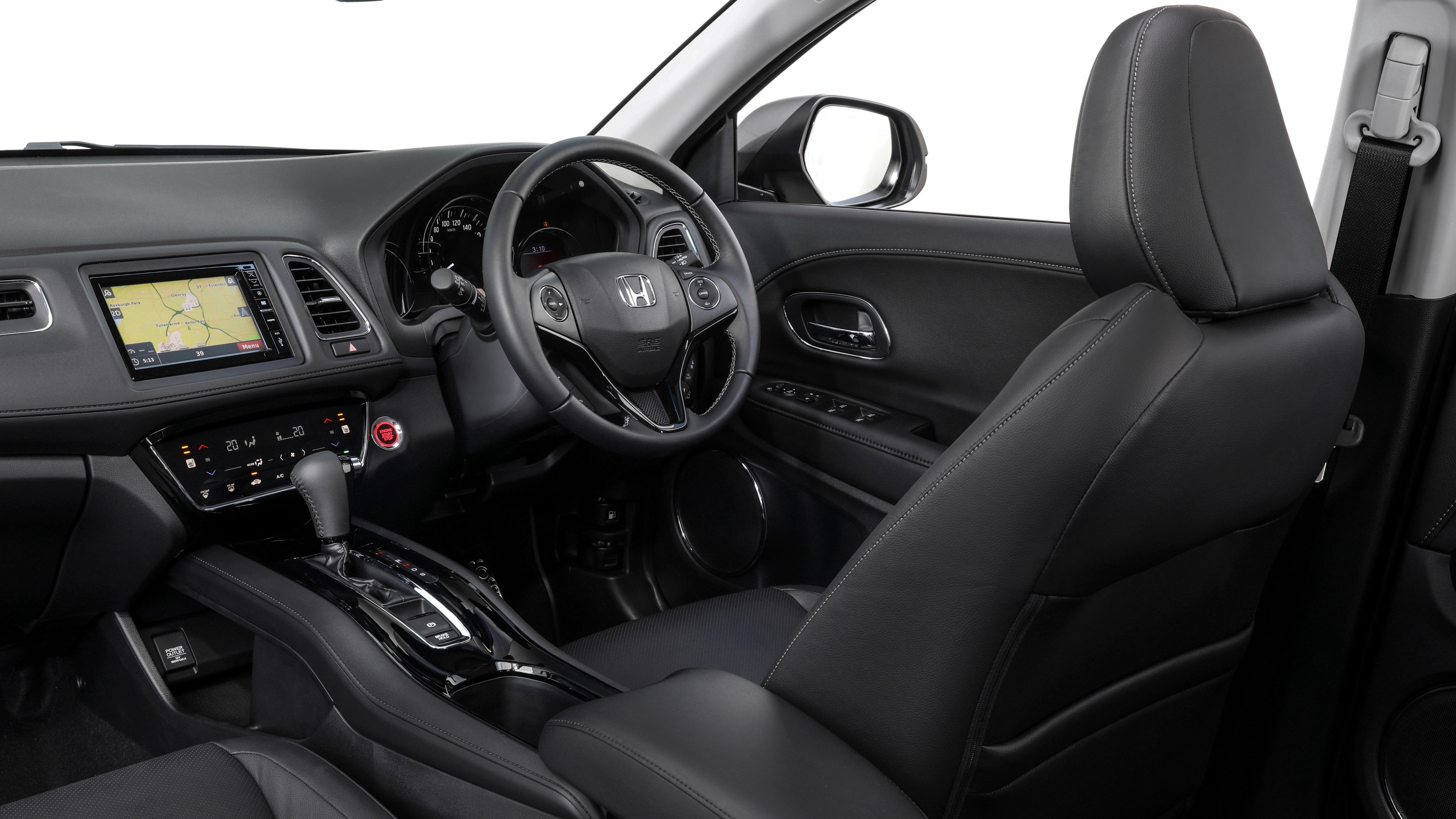 2019 Honda HR-V VTi-LX front cabin