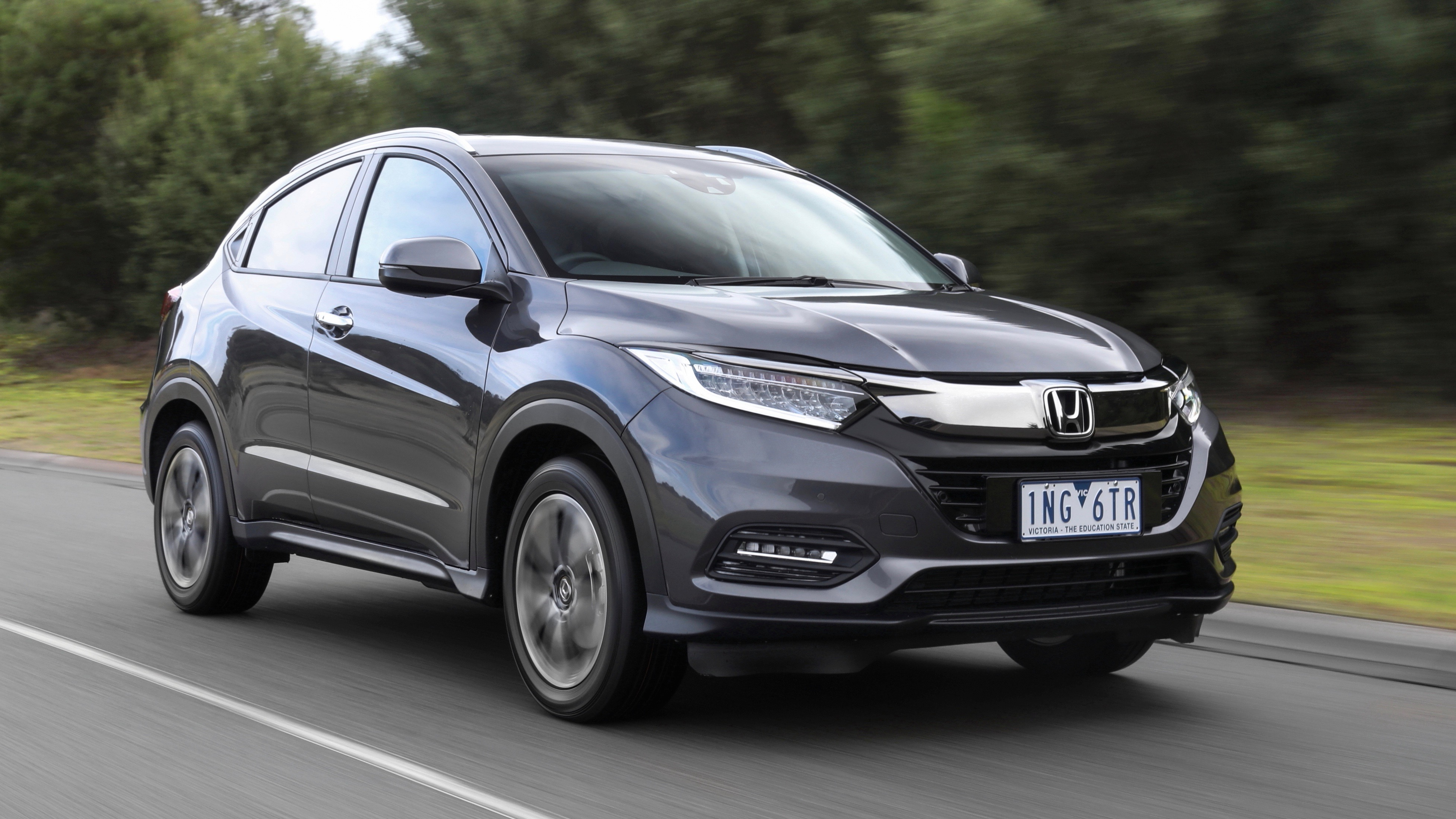 2019 Honda HR-V VTi-LX grey front 3/4 driving