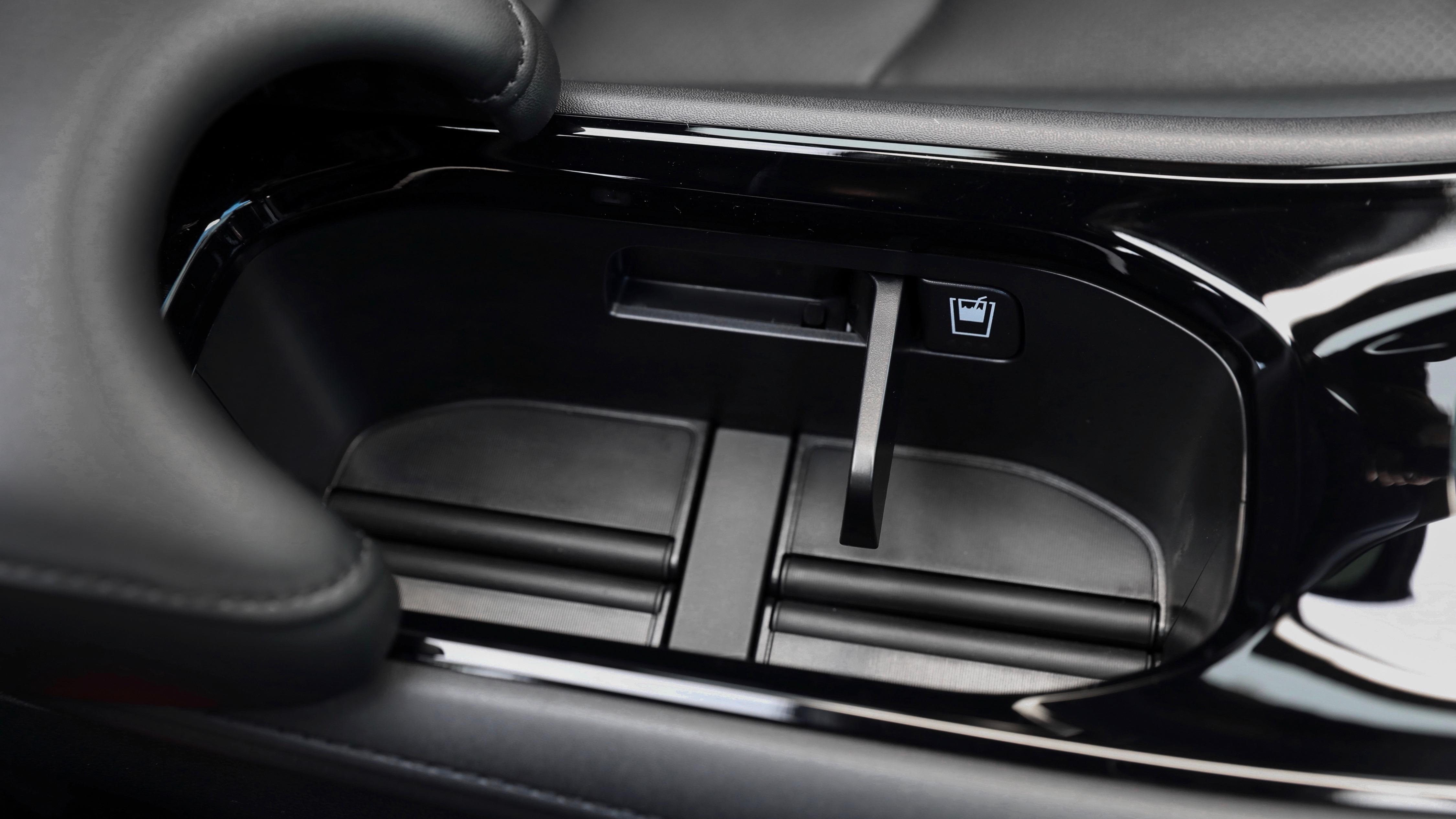 2019 Honda HR-V cupholders