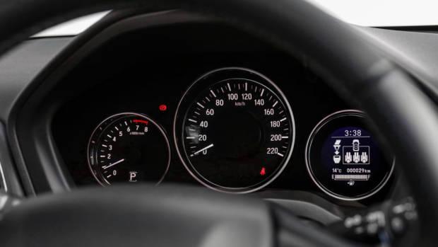 2019 Honda HR-V dials