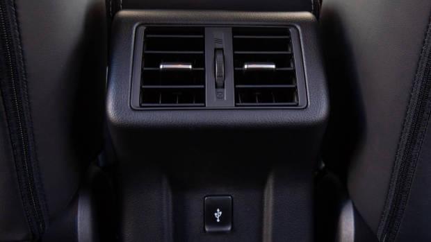 2019 Mitsubishi Outlander rear air vents