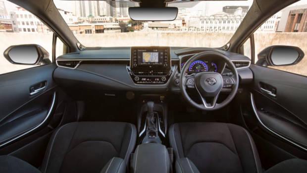 2019 Toyota Corolla ZR cabin