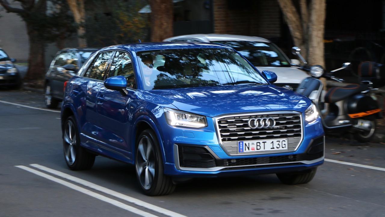 Audi Q2 sport Ara Blue front end