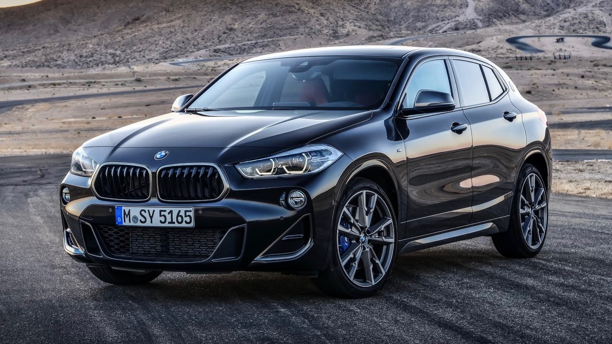 2019 BMW X2 M35i black front 3/4 static