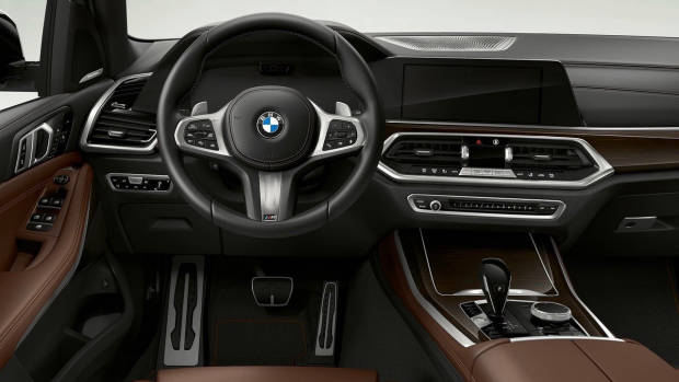 2019 BMW X5 xDrive45e dashboard