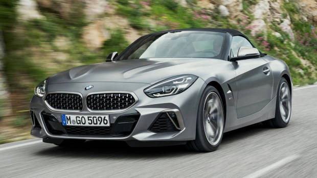 2019 BMW Z4 M40i silver front 3/4 moving