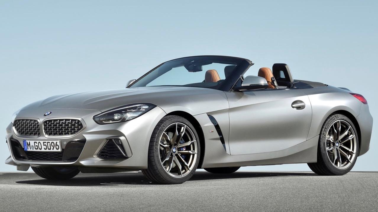 2019 BMW Z4 M40i silver front 3/4 static