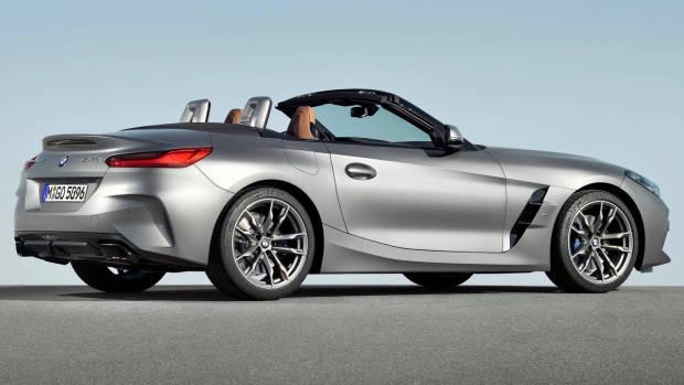 2019 BMW Z4 M40i silver rear 3/4
