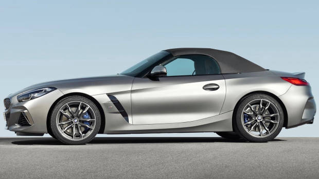 2019 BMW Z4 M40i silver side roof