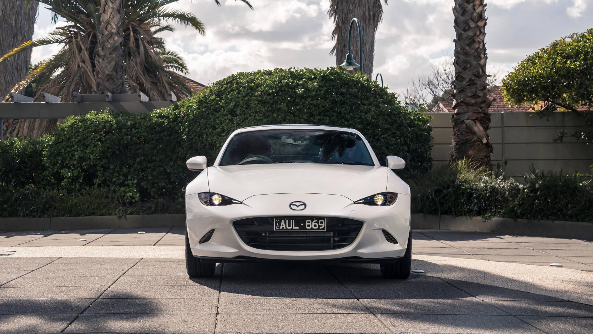 2019 Mazda MX-5 RF GT white front