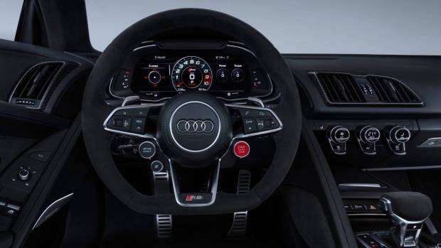 2019 Audi R8 cabin