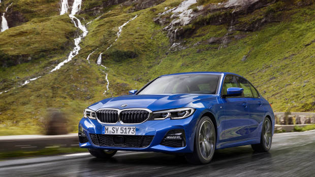 2019 BMW 3 Series blue front 3/4 driving