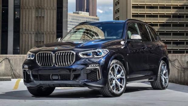 2019 BMW X5 M50d blue front 3/4