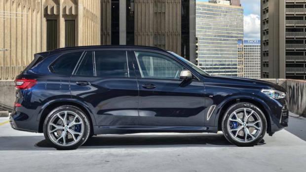 2019 BMW X5 M50d side