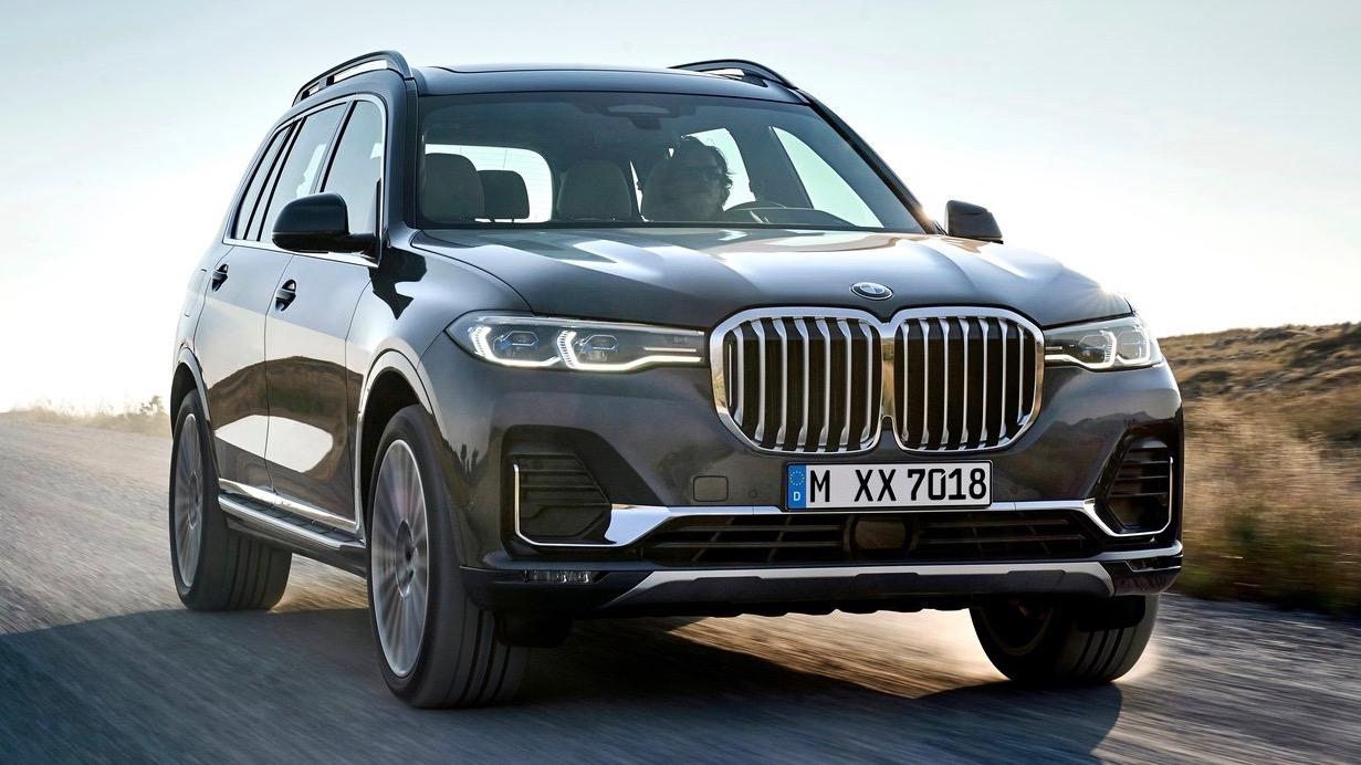 2019 BMW X7 front 3/4 header