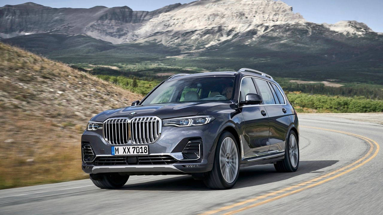 2019 BMW X7 front 3/4