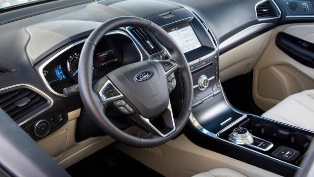 2019 Ford Endura interior