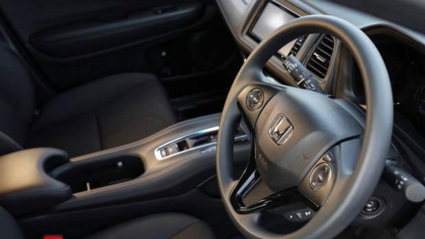 2019 Honda HR-V VTi steering wheel