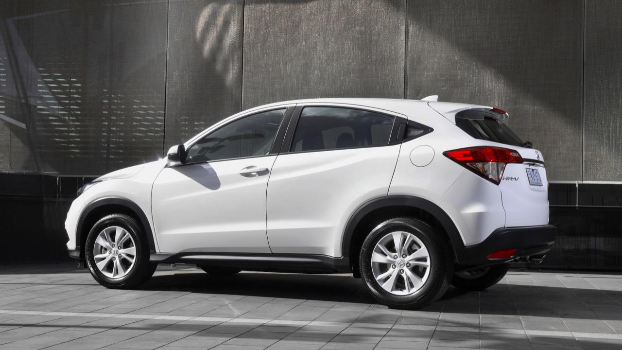 2019 Honda HR-V VTi white profile