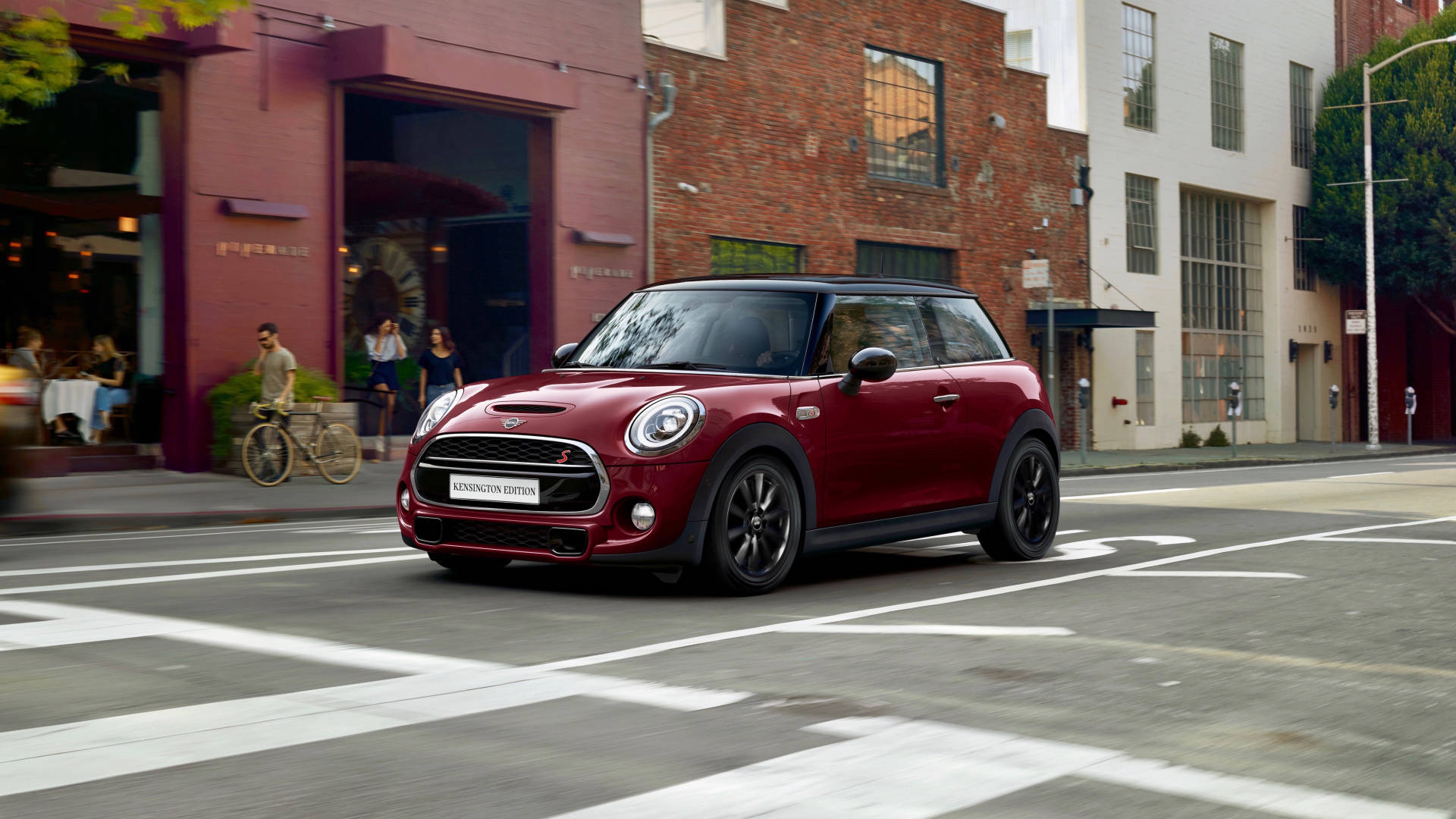 2019 MINI Cooper S Kensington Edition front 3/4 far