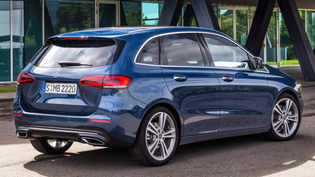 2019 Mercedes-Benz B-Class blue rear 3/4