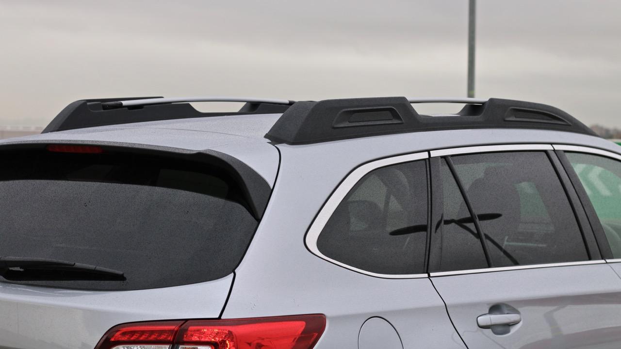 2019 Subaru Outback 3.6R silver roof rails