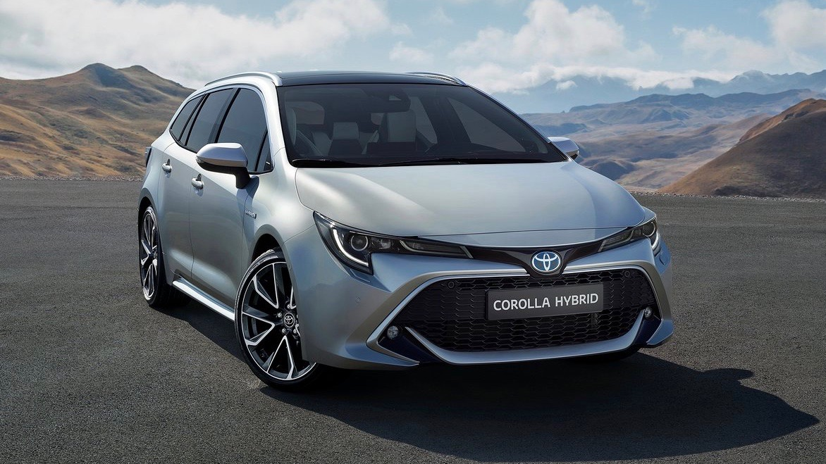 2019 Toyota Corolla Touring Sports silver front 3/4