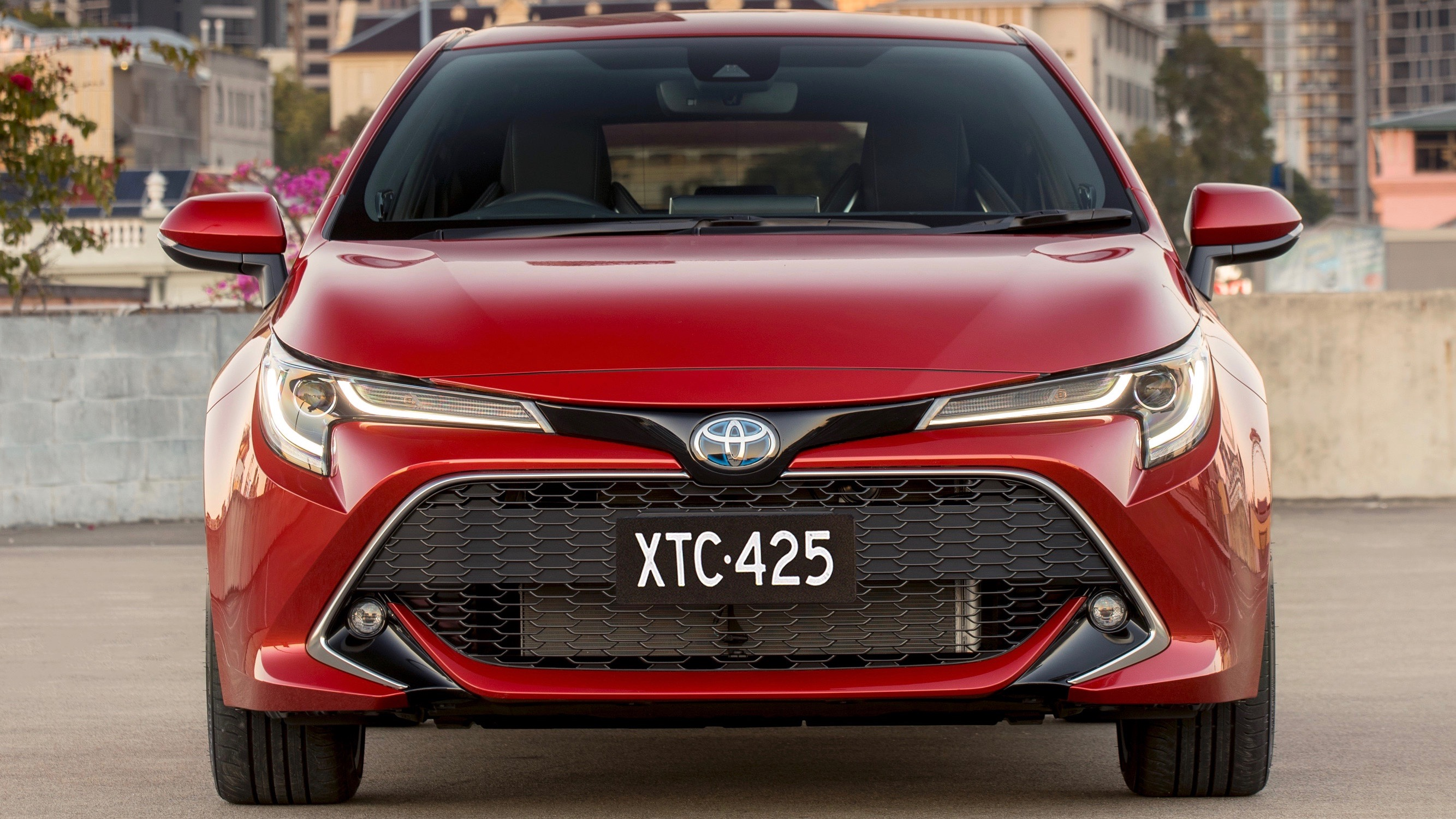 2019 Toyota Corolla ZR hybrid Volcanic Red front