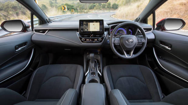 2019 Toyota Corolla ZR hybrid cabin