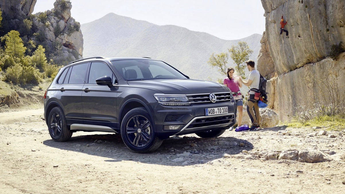2019 Volkswagen Tiguan Offroad front