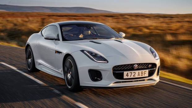 2020 Jaguar F-Type Chequered Flag white front 3/4