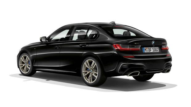 2019 BMW M340i black rear 3/4
