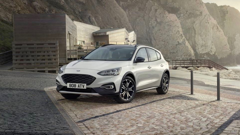 2019 Ford Focus Active white front 3/4