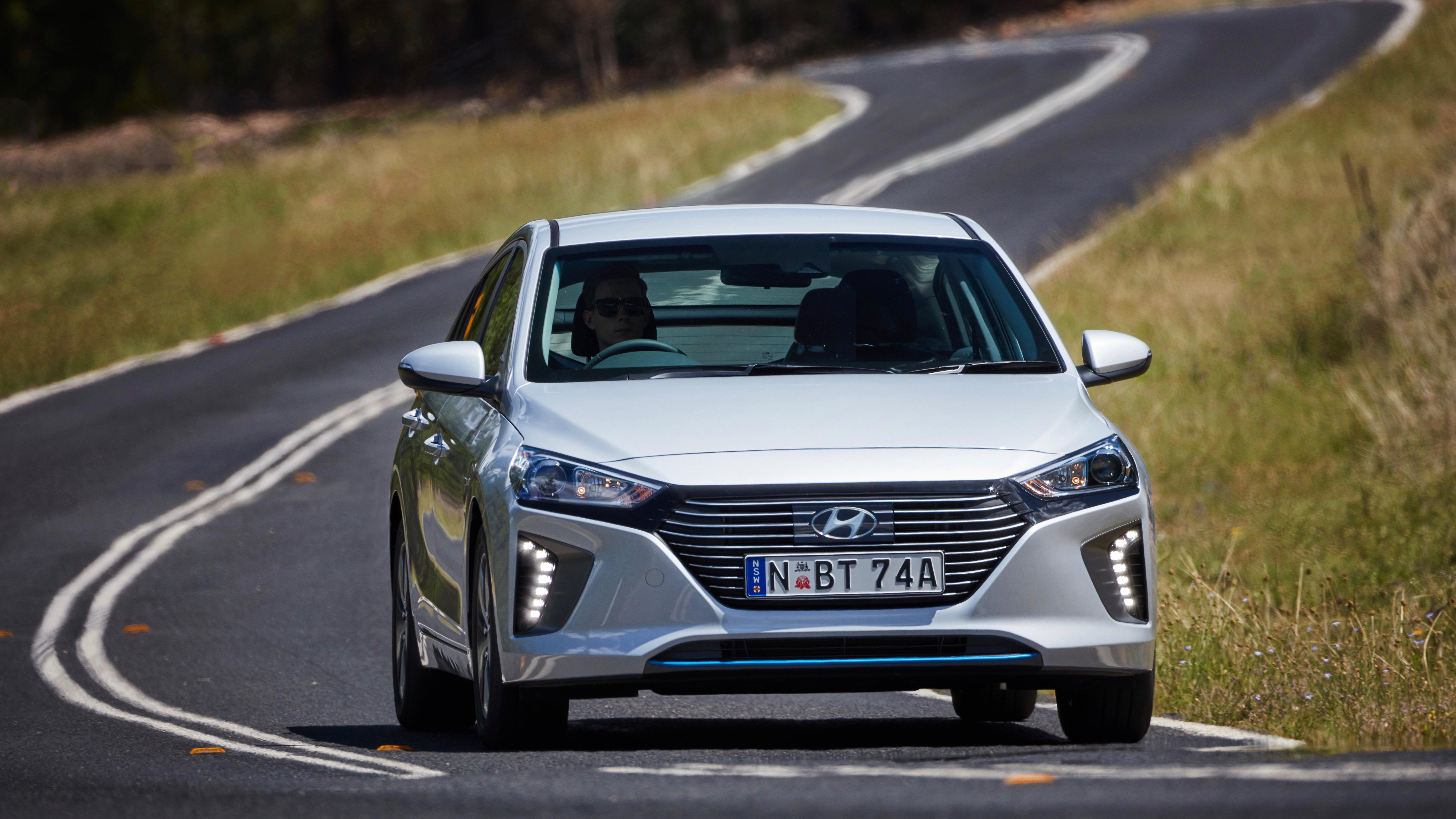 2019 Hyundai Ioniq Elite plug-in front