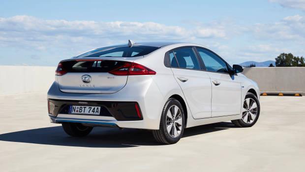 2019 Hyundai Ioniq Elite plug-in rear 3/4