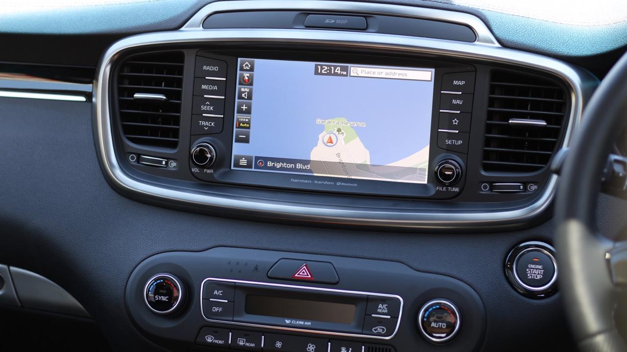 2019 Kia Sorento GT-Line touchscreen