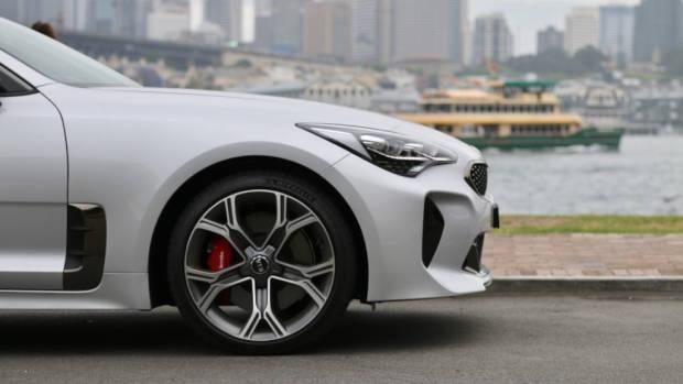 2019 Kia Stinger GT 19 inch wheels