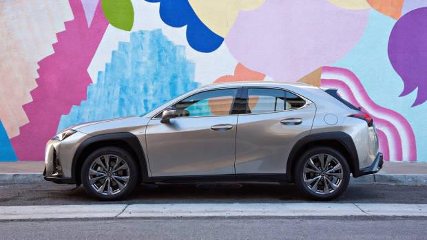 2019 Lexus UX grey profile