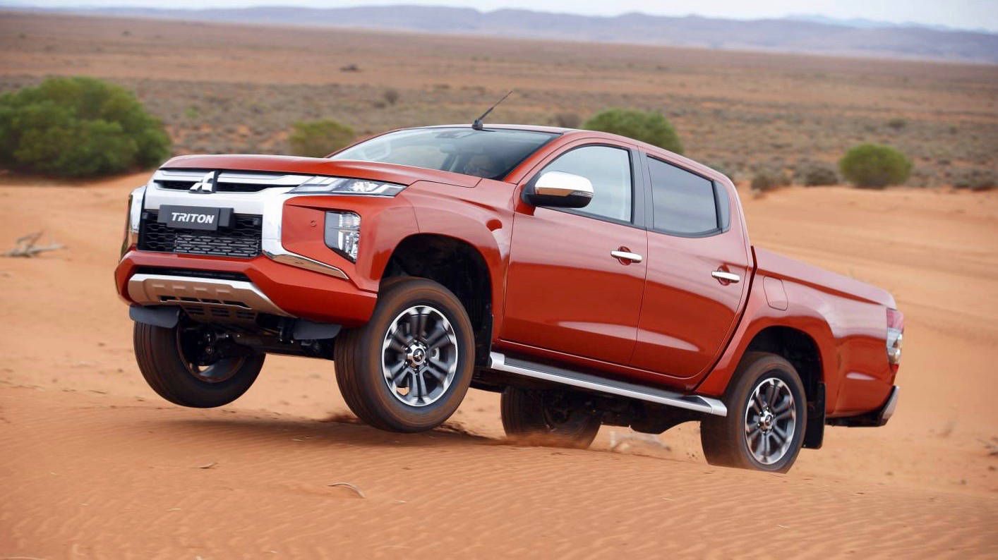2019 Mitsubishi Triton orange off-road