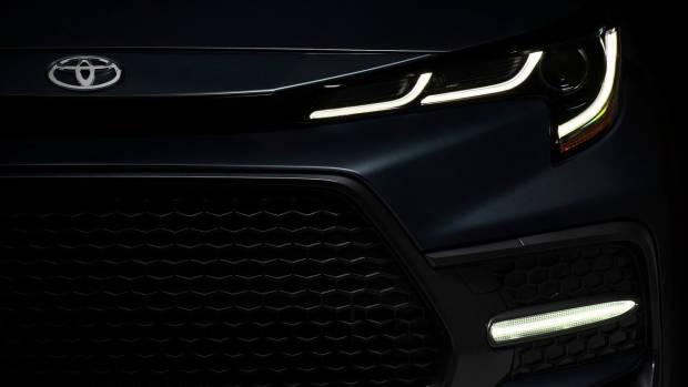 2019 Toyota Corolla sedan front detail