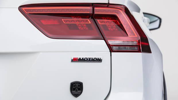 2019 Volkswagen Tiguan Wolfsburg Edition badge