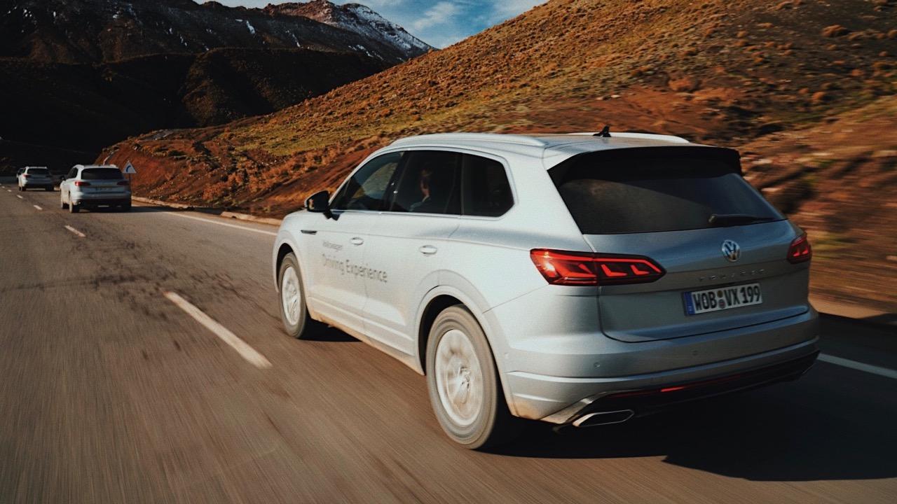 2019 Volkswagen Touareg R-Line driving