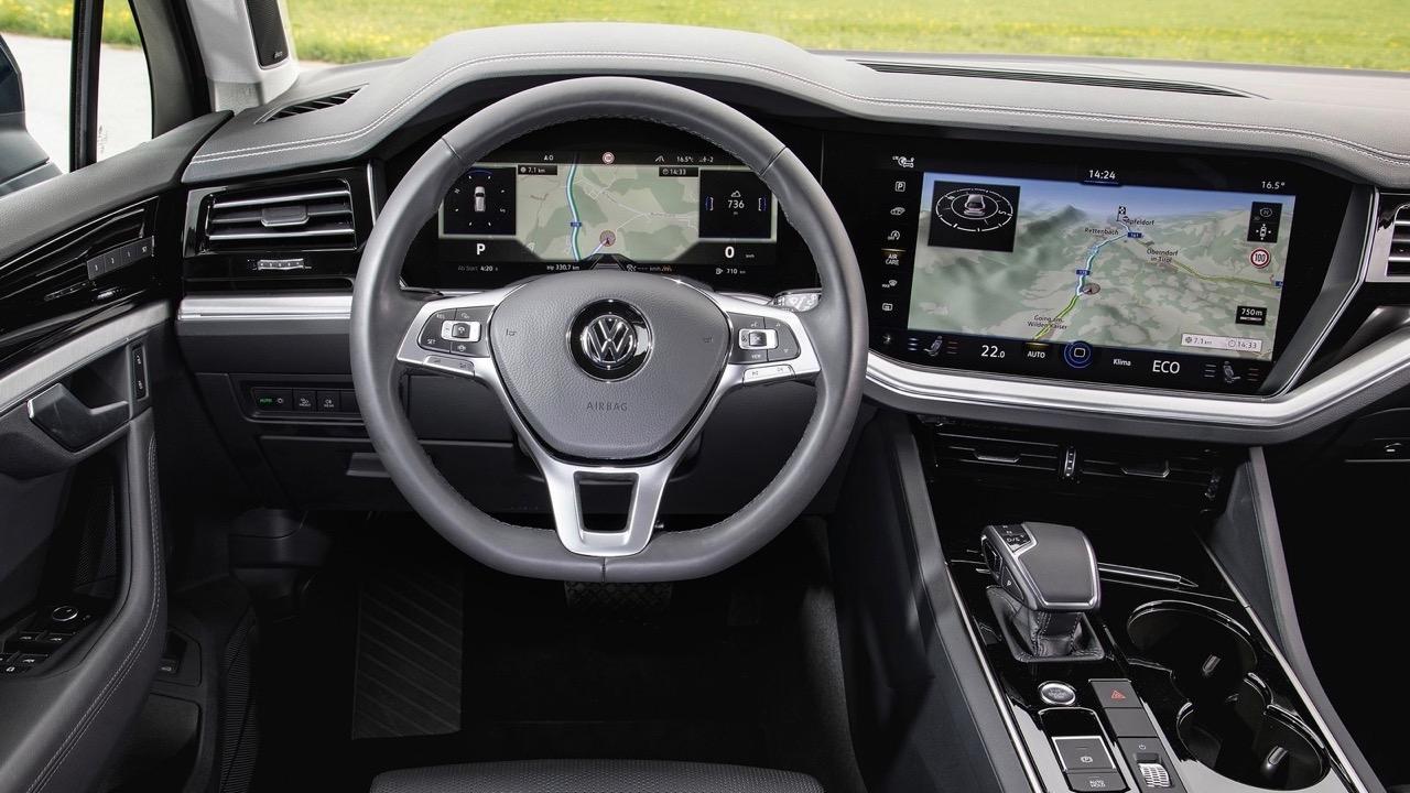 2019 Volkswagen Touareg R-Line interior