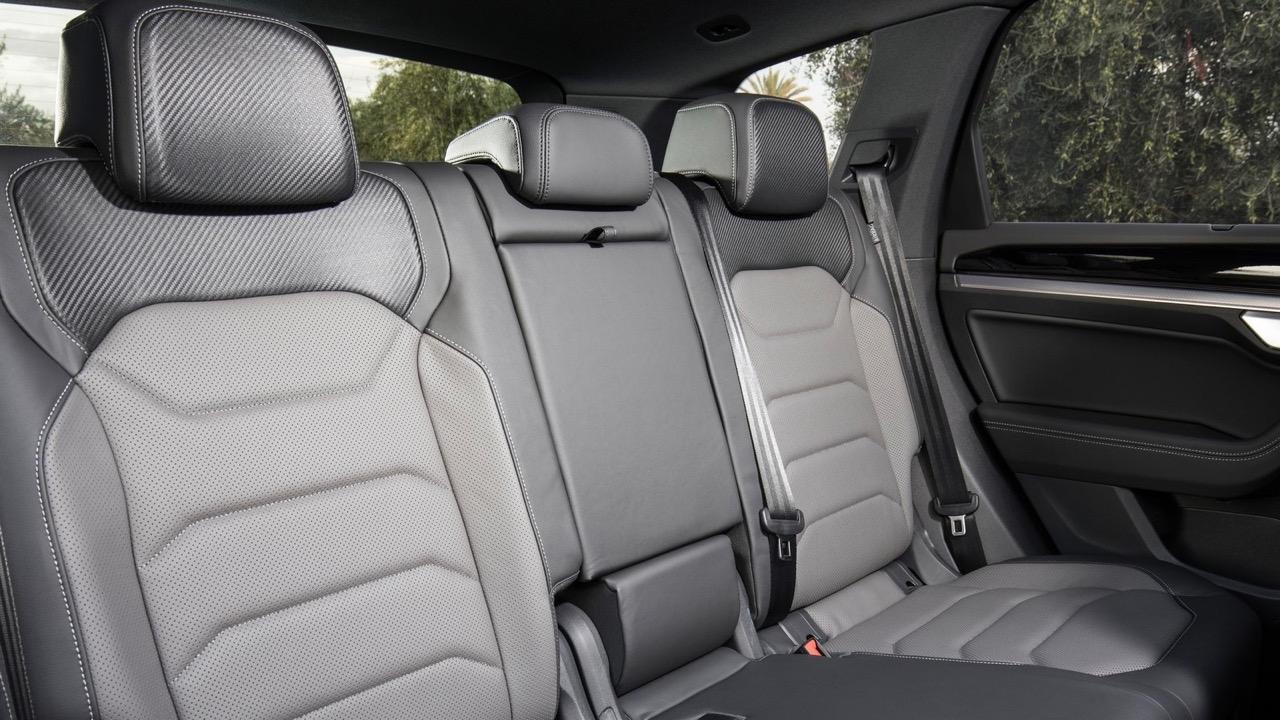 2019 Volkswagen Touareg R-Line rear seats
