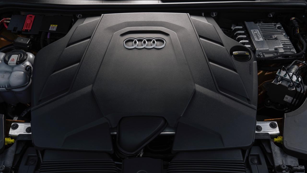2019 Audi Q8 55 TFSI V6 engine bay